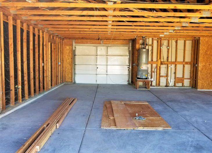 Garage door fix, emergency services